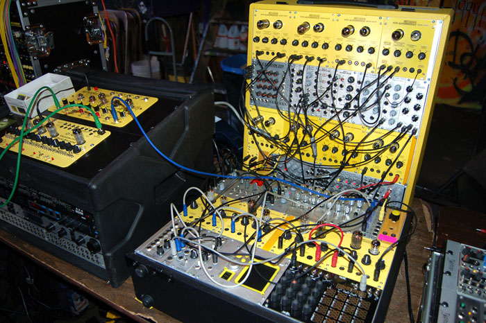 sound geeks are resurrecting the analog synthesizer the new stack. Black Bedroom Furniture Sets. Home Design Ideas