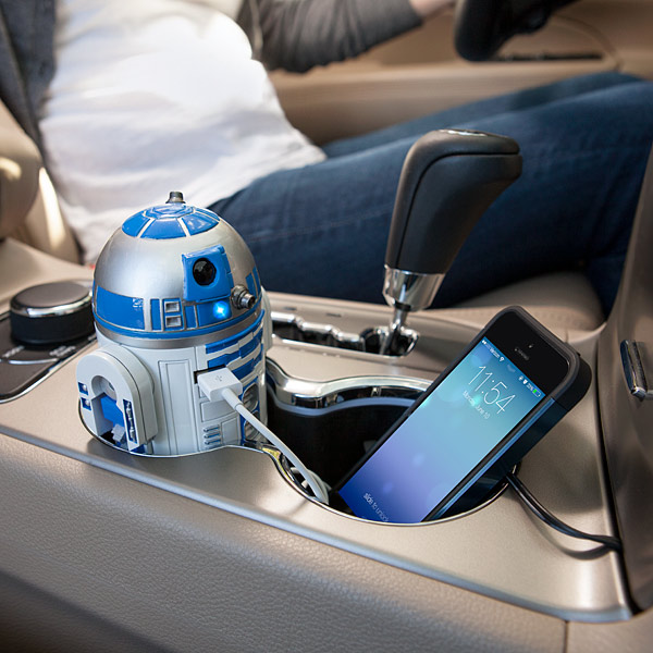 R2-D2 USB smartphone car charger