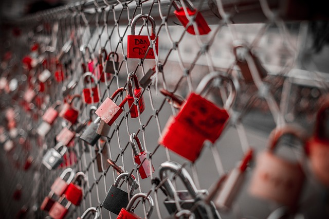 Red Hat Enterprise Linux 7.4 Adds OverlaySF to Boost Container Security
