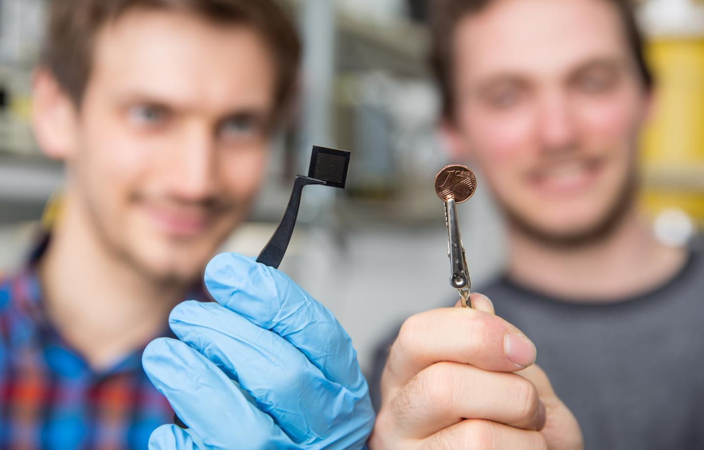 Neurosynaptic Microchip Uses Light and Algorithms to Mimic Human Brain
