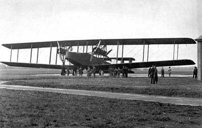 Handley_Page_V-1500 bomber - circa 1918 - Creative Commons via Wikipedia
