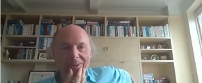 Bjarne Stroustrop smiling and holding chin - ask me anything 2020 (screenshot)