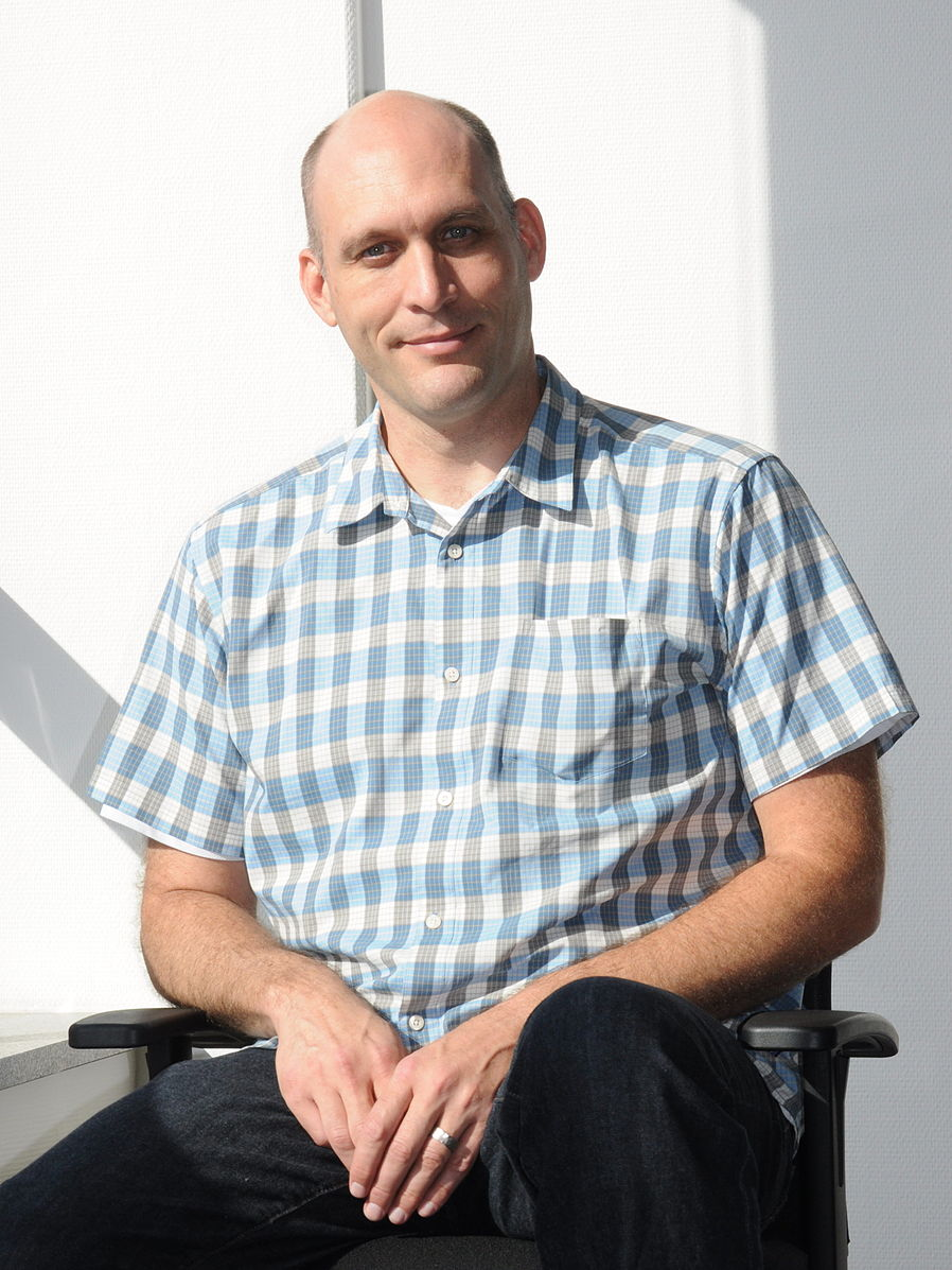 898px-Greg-Kroah-Hartman in 2011 (photo by Sebastian Oliva via Wikipedia).jpeg