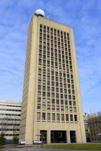 Green_Building_-_MIT,_Cambridge,_MA_-_DSC05589 - by Daderot via Wikipedia